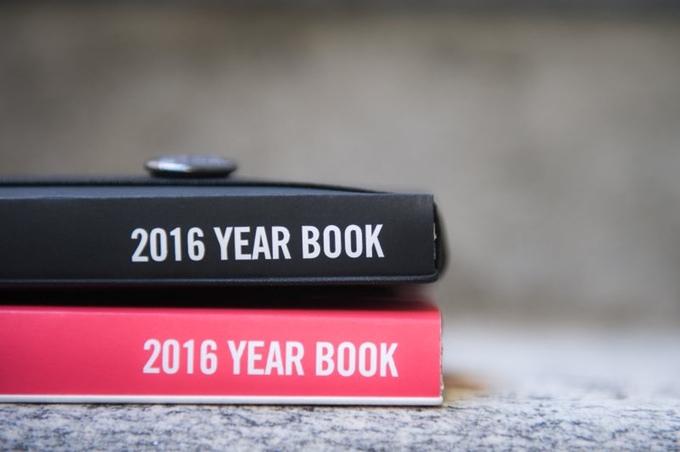 Giah! presenta lo Year Book 2016 un progetto in crowdfunding di una agenda ma anche calendario, poster....